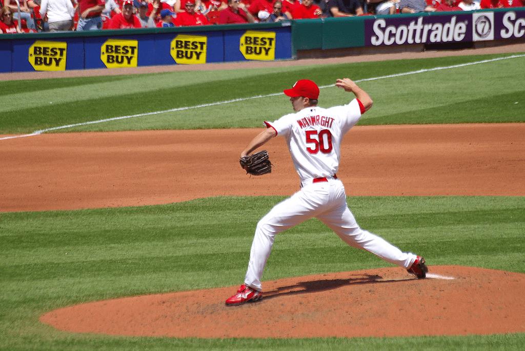 Adam Wainwright winding up to pitch